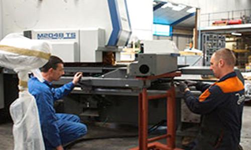 metal service onderhoud metaalbewerking nibbelautomaat rolvormmachine afkortmachine waterjet snijmachine profielwals plaatwals ductzipper