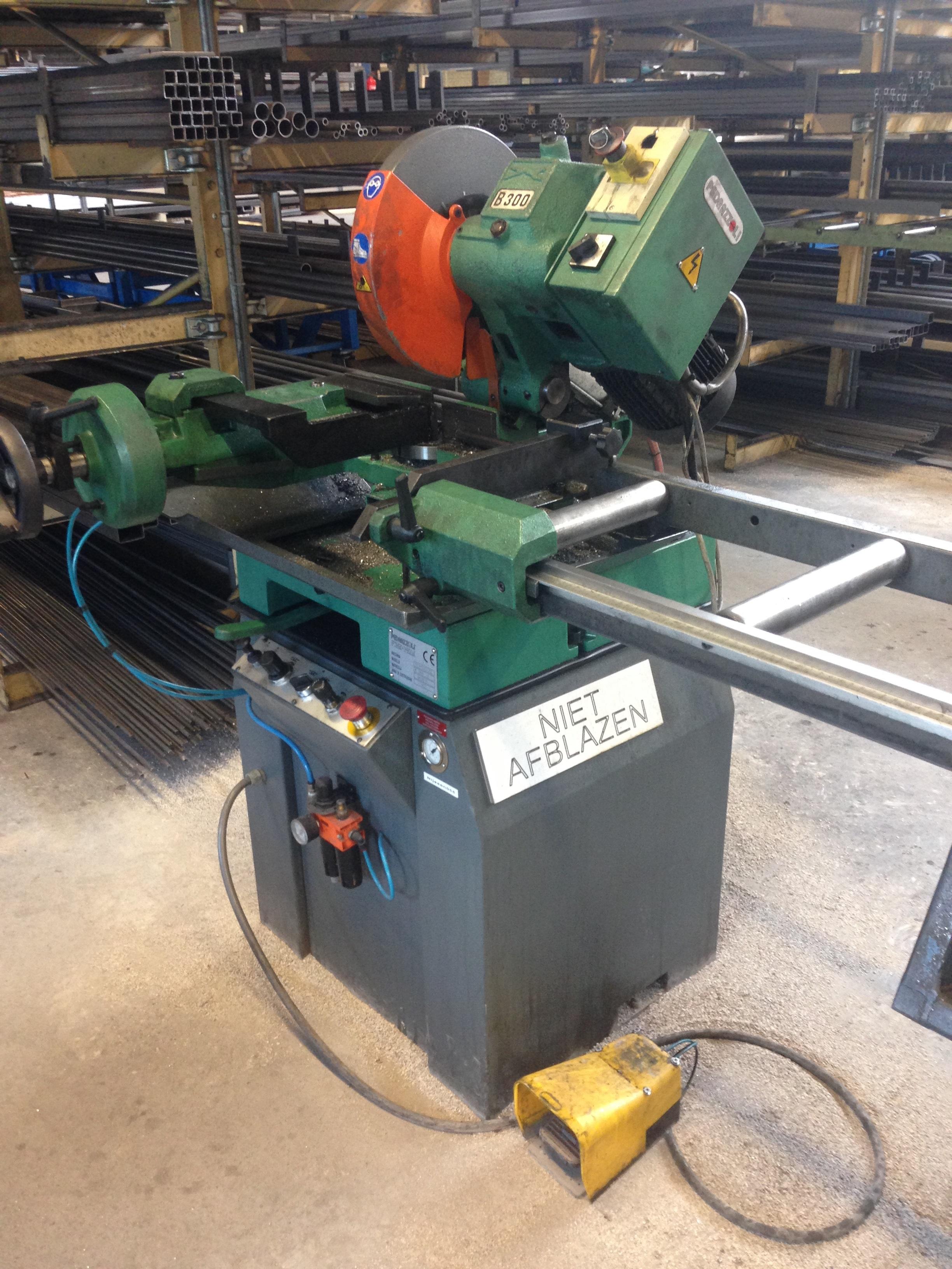 Metall metaal plaatbewerking machines industrieel plaatbewerkingsmachine plaatbewerkingsmachines pijpenbuiger primecut
